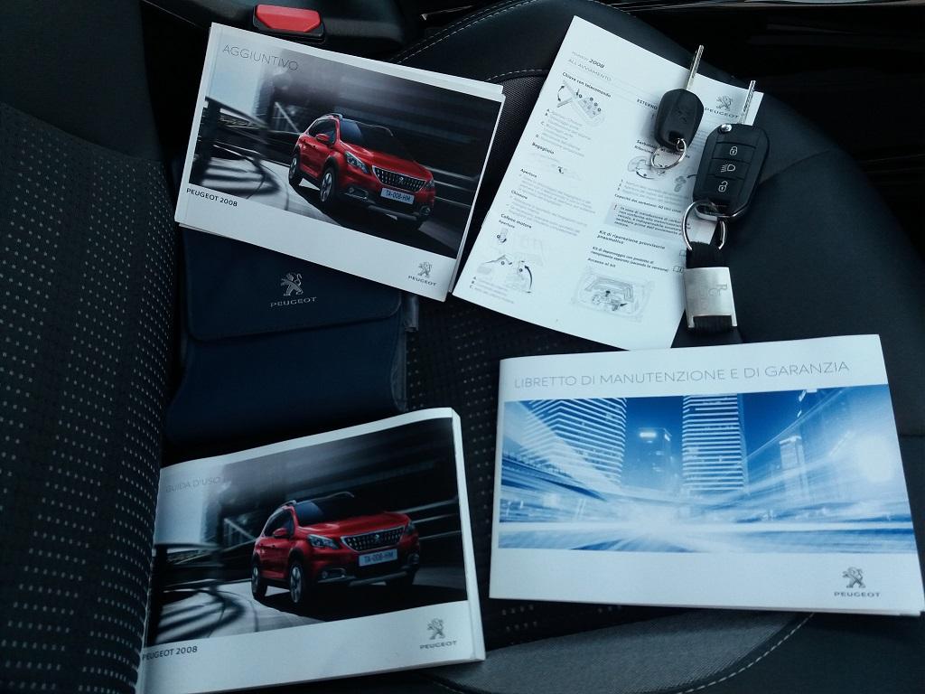 Peugeot 2008 BlueHDi 120 S&S Allure (48)