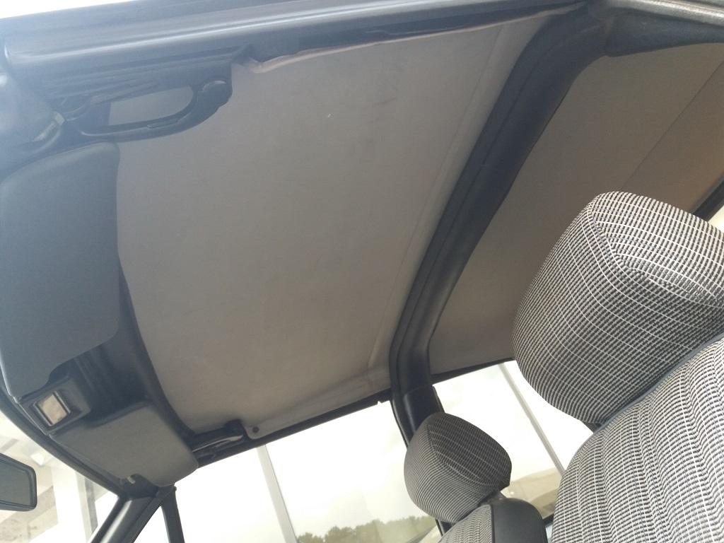 Peugeot 205 Cabriolet 1.1 CT (18)