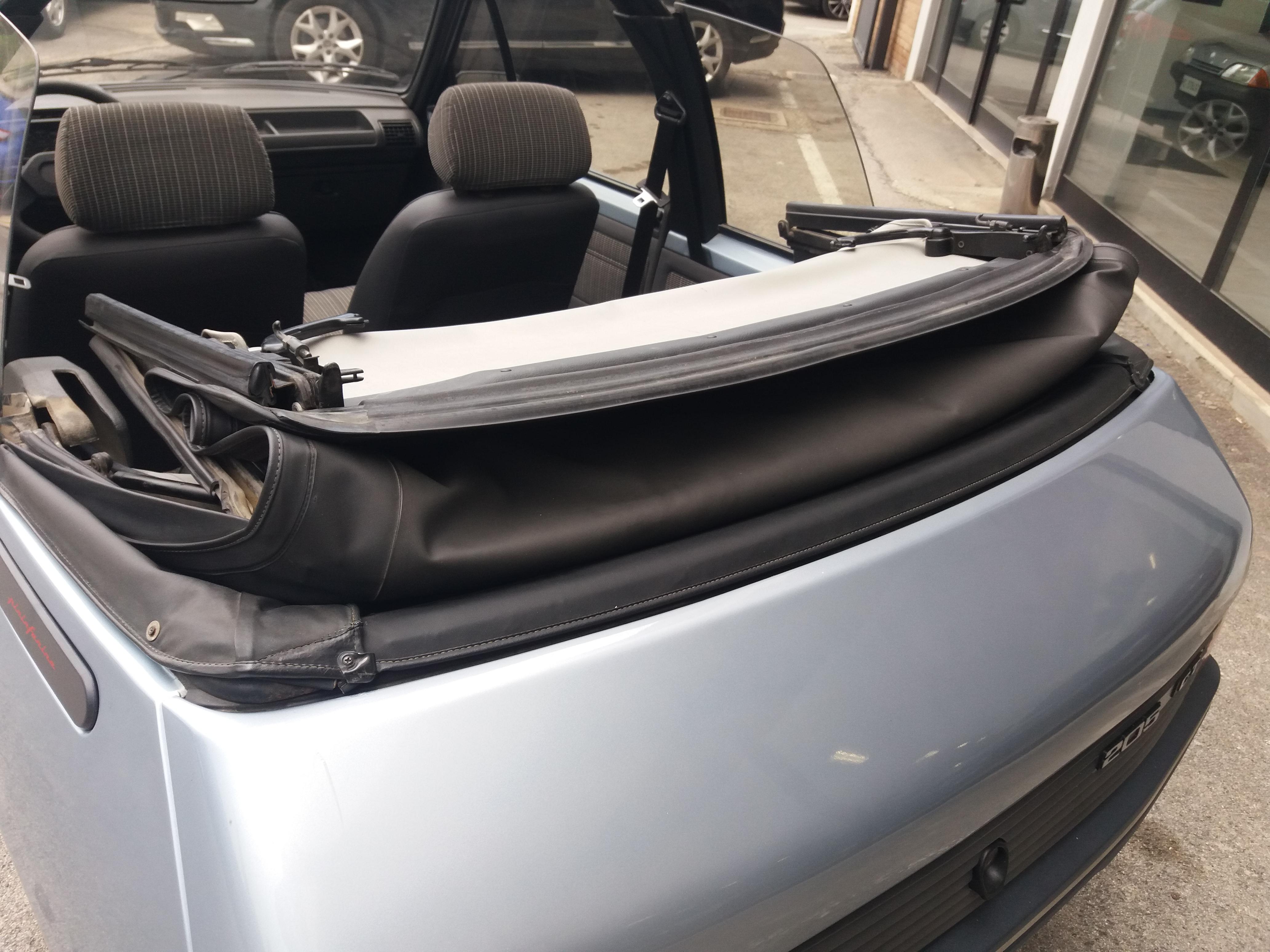Peugeot 205 Cabriolet 1.1 CT (21)