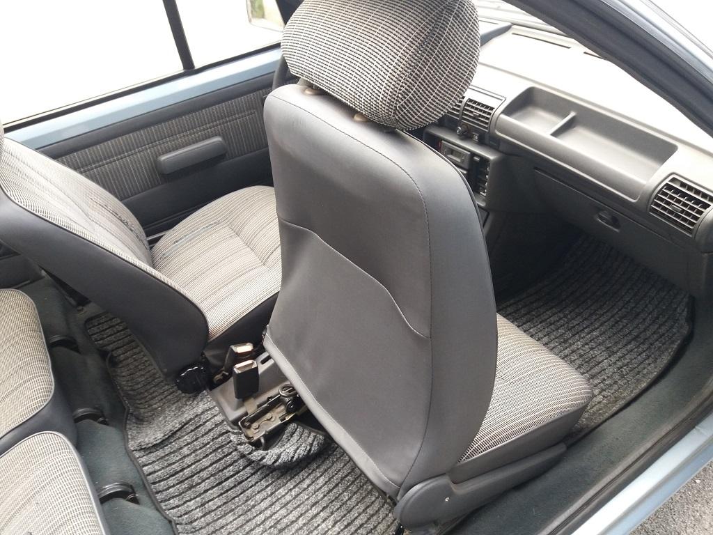 Peugeot 205 Cabriolet 1.1 CT (59)