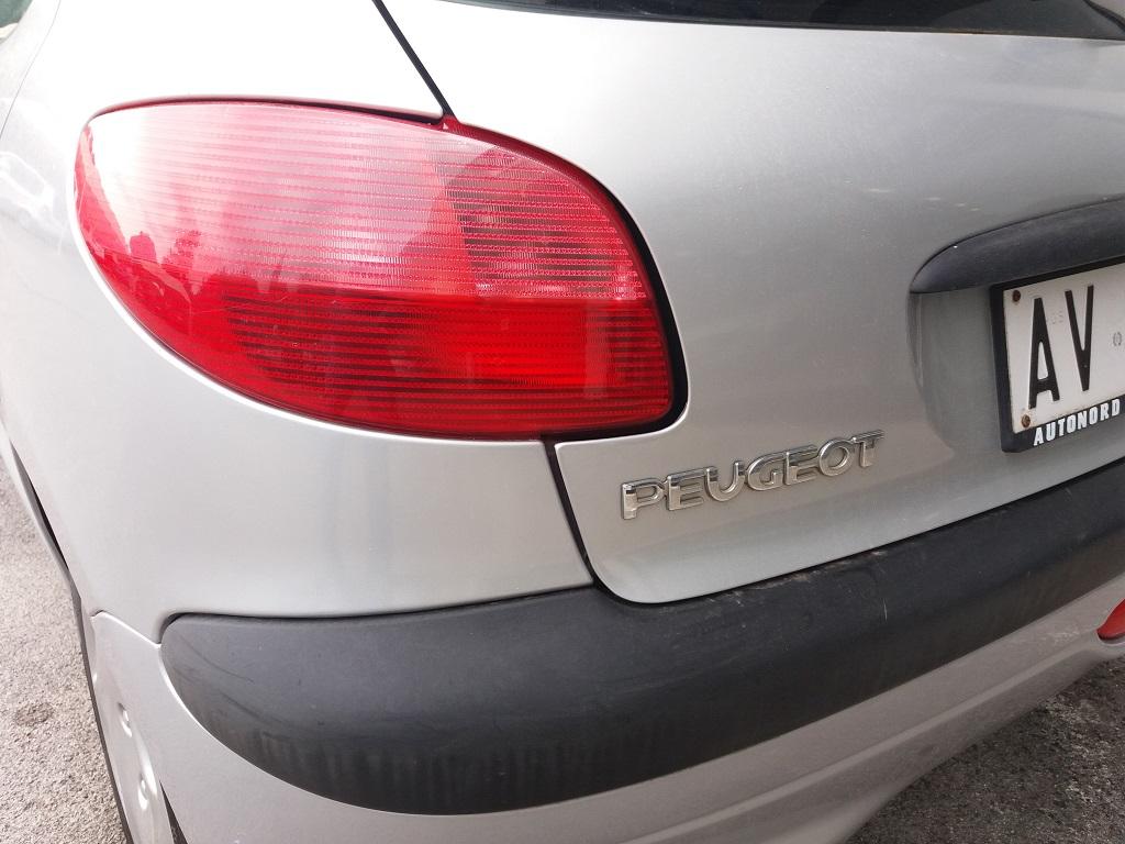 Peugeot 206 1.9 diesel 5p XTD (63)