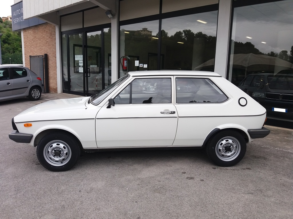 Volkswagen Polo L (2)