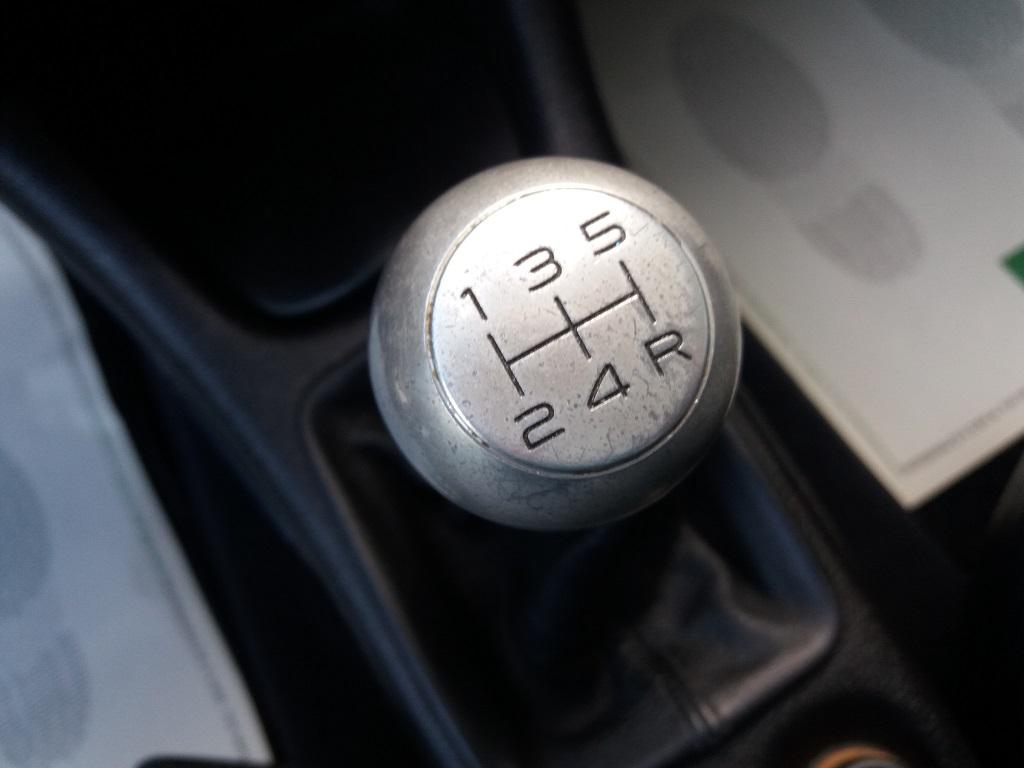 Peugeot 206 2.0 16v GTi (13)