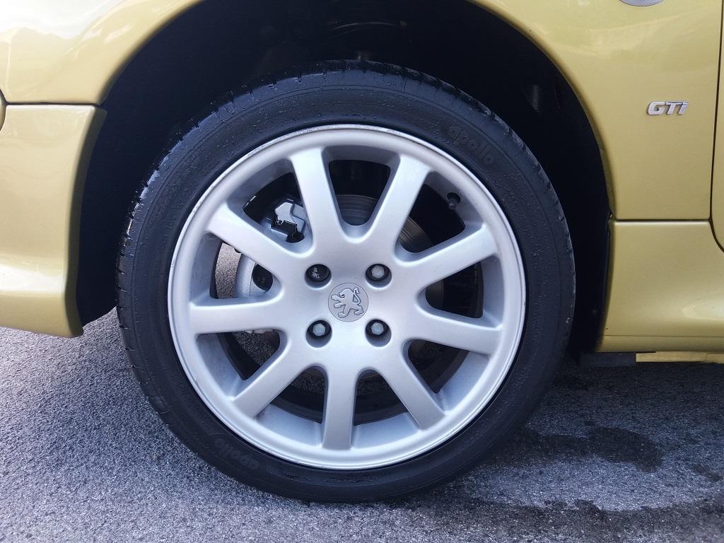 Peugeot 206 2.0 16v GTi (30)