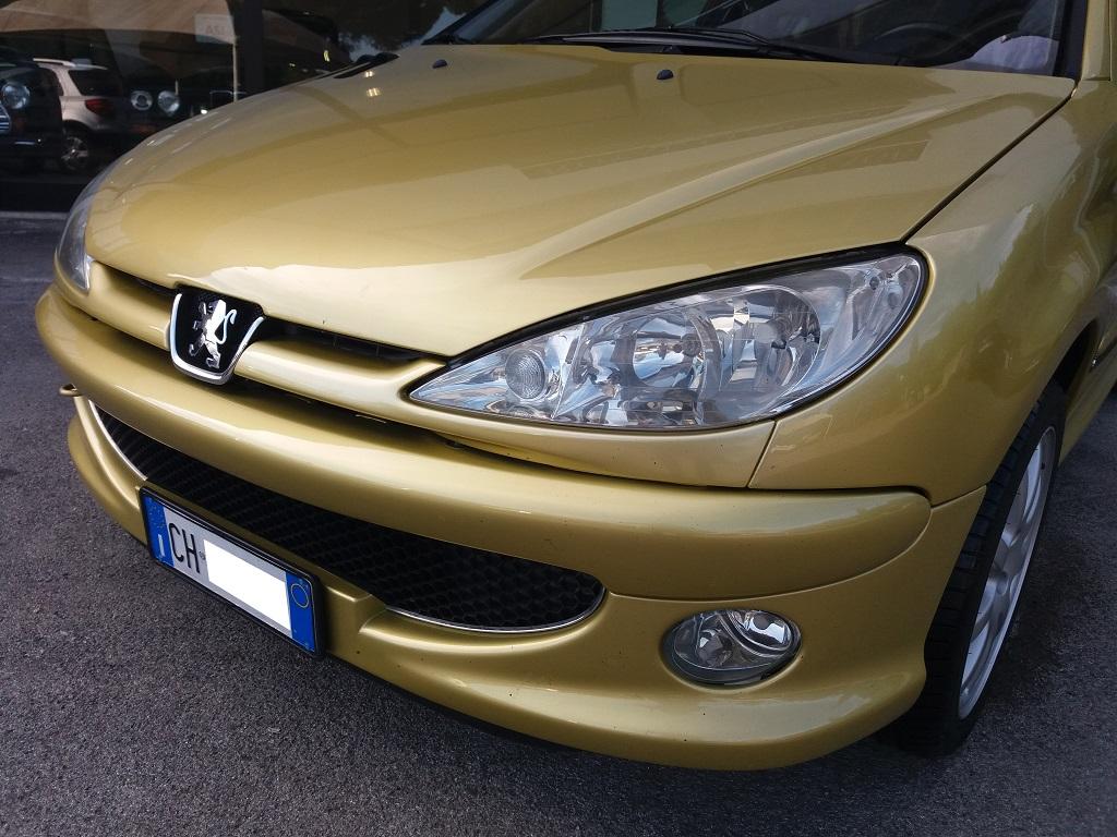 Peugeot 206 2.0 16v GTi (34)