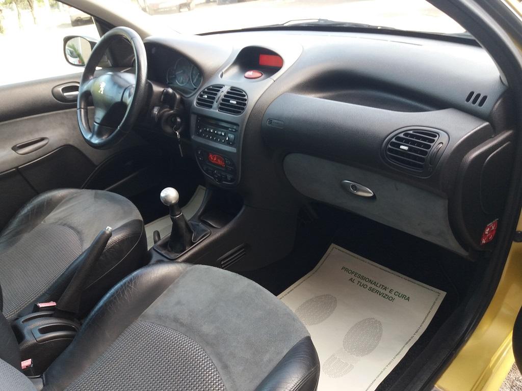 Peugeot 206 2.0 16v GTi (37)