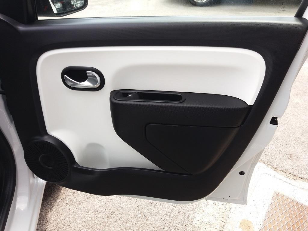 Renault Twingo SCe 69 Lovely (24)
