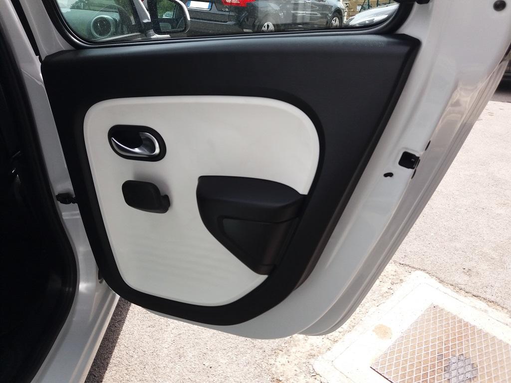 Renault Twingo SCe 69 Lovely (48)