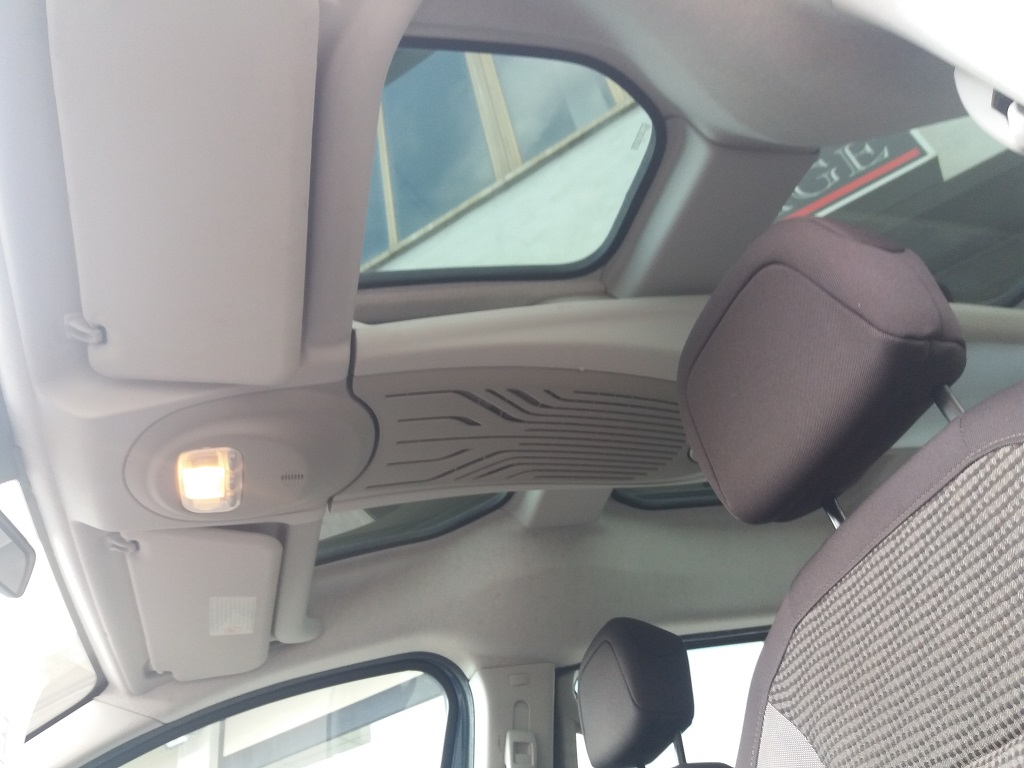 Peugeot Partner Tepee 1.6 HDi 115 cv Outdoor (22)