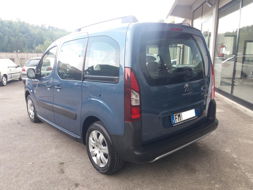 Peugeot Partner Tepee 1.6 HDi 115 cv Outdoor (3)