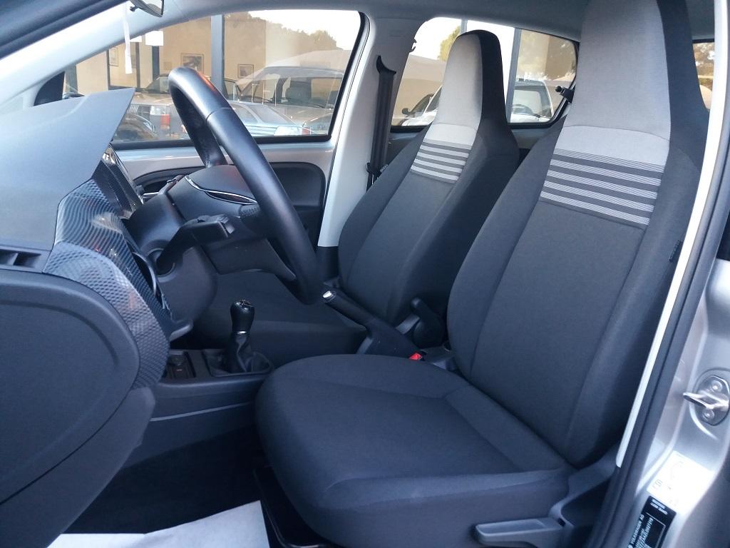 Volkswagen up! 5p 1.0 Move up! 60 cv (11)