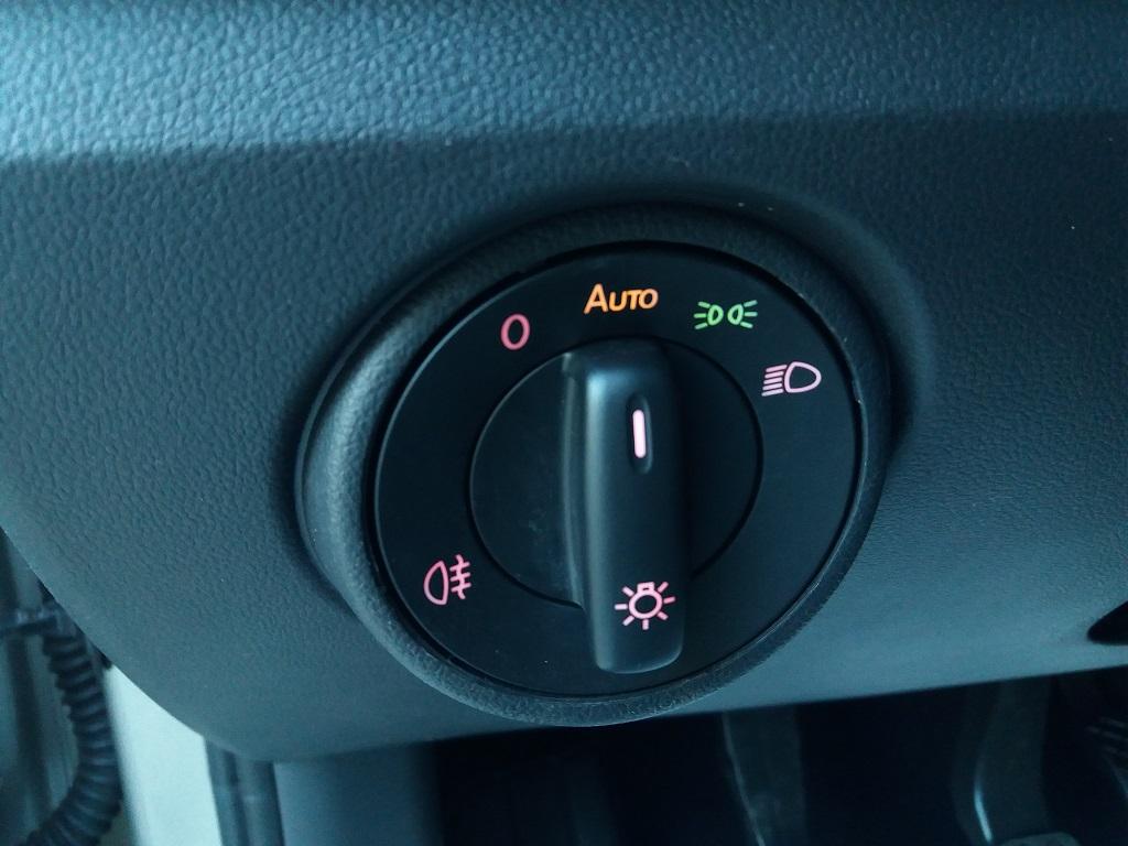 Volkswagen up! 5p 1.0 Move up! 60 cv (15)