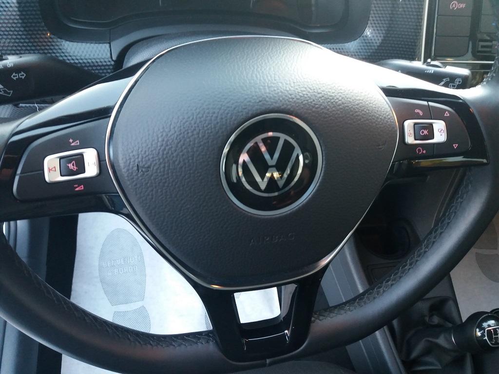 Volkswagen up! 5p 1.0 Move up! 60 cv (16)