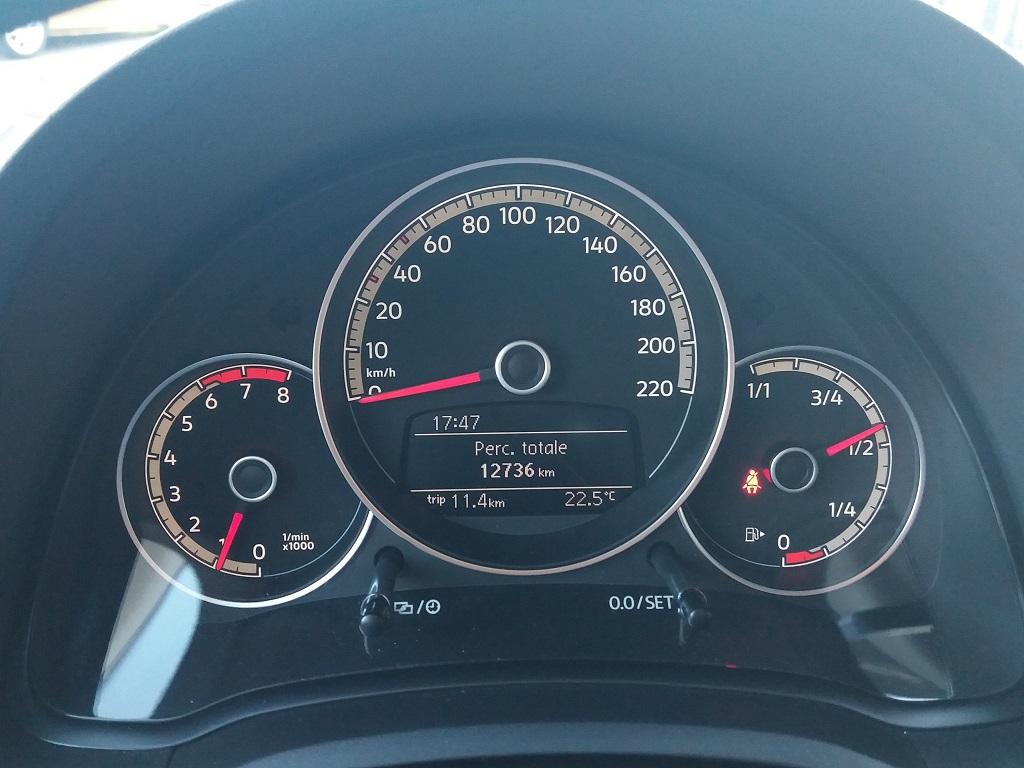 Volkswagen up! 5p 1.0 Move up! 60 cv (19)