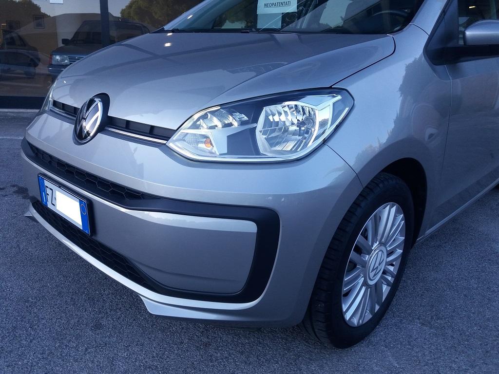 Volkswagen up! 5p 1.0 Move up! 60 cv (31)