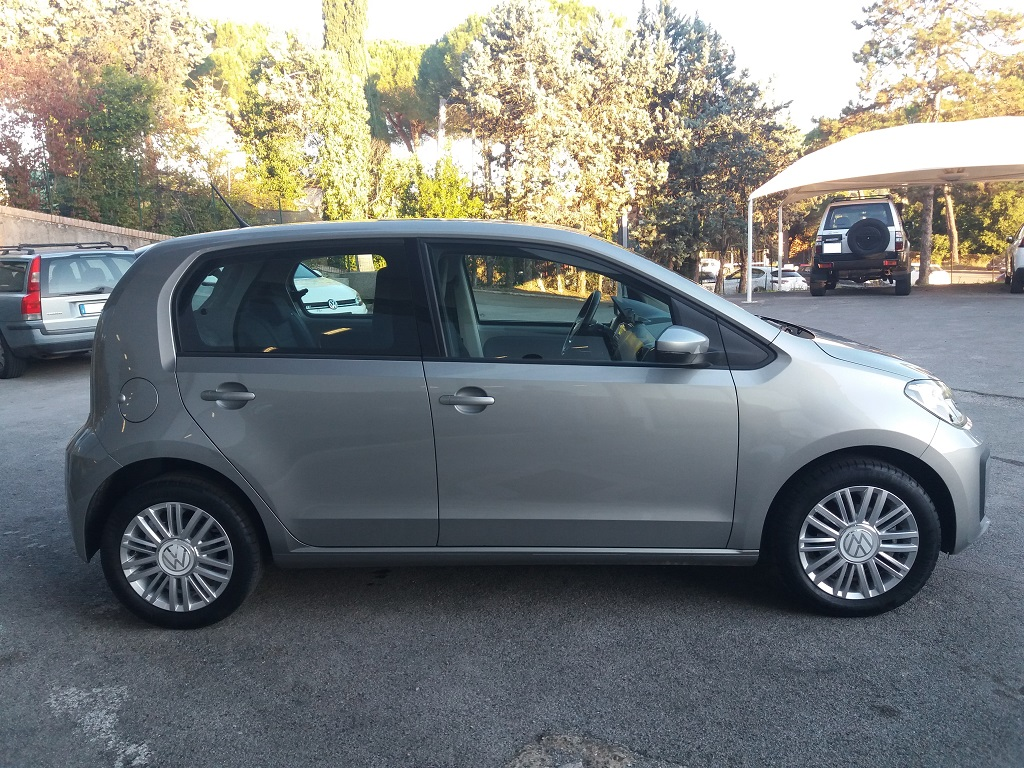 Volkswagen up! 5p 1.0 Move up! 60 cv (5)