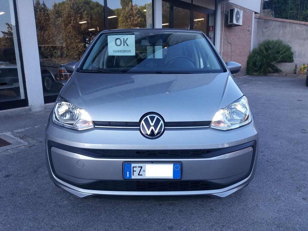 Volkswagen up! 5p 1.0 Move up! 60 cv (7)