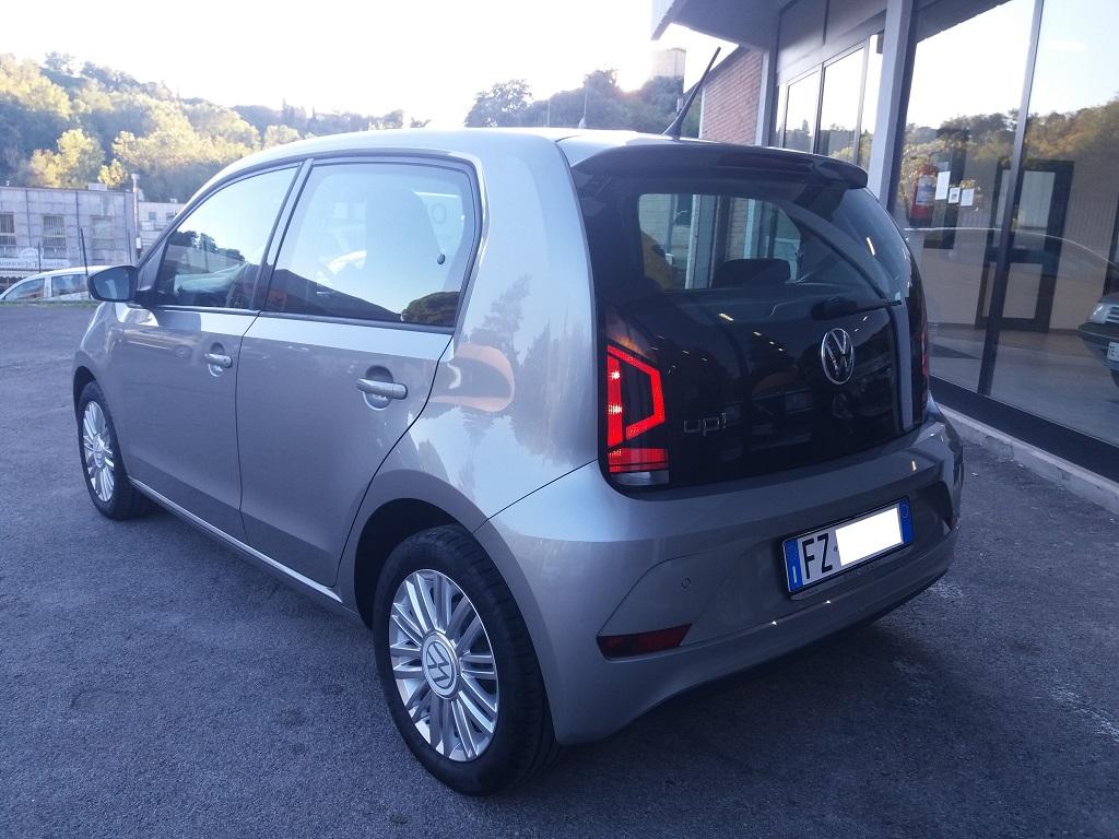 Volkswagen up! 5p 1.0 Move up! 60 cv (8)